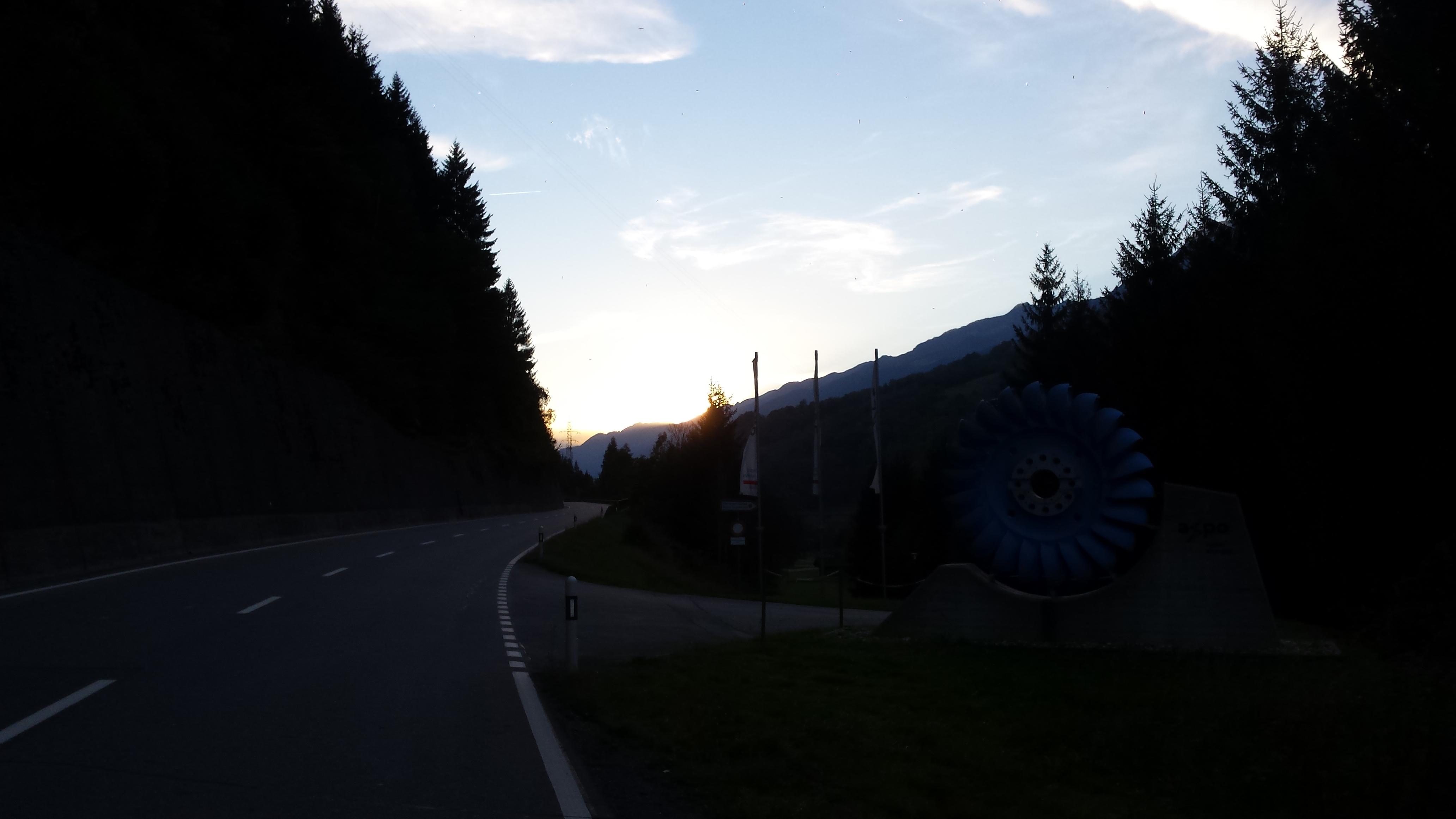 Sonnenuntergang zwischen Ilanz und Disentis
